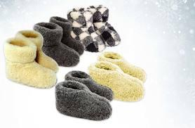 £8.99 instead of £29.99 (from UK Stock) for a pair of woollen slippers - choose from checked, grey and cream designs and save 70%