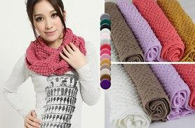 £4.99 instead of £17 (from EFMall) for a knitted snood scarf – choose from 14 colours and save 71%
