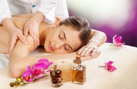 £19 instead of £50 for an aromatherapy back, neck and shoulder massage and holistic facial at OM Holistic Therapies, Paisley - save a soothing 62%