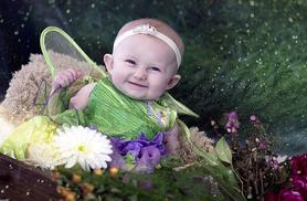 £9 for a one-hour elf and fairy photoshoot for up to four children including a keyring and two prints at Studio O & A, Glasgow - save 88%