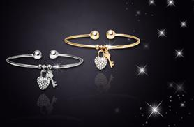 £6 instead of £35 (from Cian Jewels) for a heart lock bangle made with Swarovski Elements - save 83%