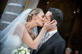 From £1849 for a wedding package inc. 40 guest breakfast, 75 guest buffet dinner, welcome drinks and sparkling wine to toast at the Hilton Hotel York - save up to 56%