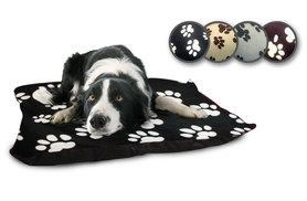 """£8.99 instead of £39.99 (from Home Furnishings Company) for a 27"""" x 37"""" fleece dog bed, £16.99 for two, £17.99 for a 37"""" x 57"""" bed, £24.99 for two - save up to 78%"""