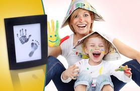 £4.99 instead of £19.95 (from Pretty Essential) for a magic ink baby hand and footprint set - keep those precious memories forever and save 75%