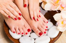 £13 instead of £35 for a shellac manicure, or £19 for a shellac manicure and pedicure at Indulge Beauty Studio, Glasgow - save up to 63%