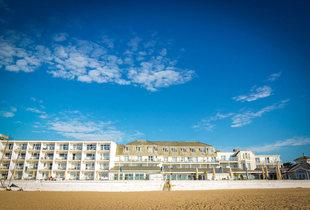 £79 (at The Sandbanks Hotel) for a 4* overnight stay for two people including breakfast, or £169 for two nights with breakfast and dinner - save up to 63%