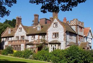 £89 for a 4* overnight Norfolk stay for two with breakfast at Dales Country House from Buyagift!