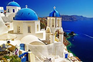 £59 (from Blue Diamond Bay Hotel) for a 3nt Santorini break for 2, £89 for 4nts, £119 for 5nts or £179 for 7nts - save up to 62%
