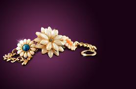 £8 instead of £38.99 (from Marcus Emporium) for an acrylic flower statement bracelet - save 79%