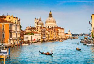 From £99pp instead of up to £195.91pp (from Tour Center) for a 2-night Venice break inc. flights, gondola ride and breakfast - save up to 49%
