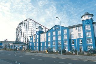 From £99 (at Big Blue Hotel) for a 2nt stay for 2 inc. Tower Dungeon, Madame Tussauds™ or SEA LIFE tkts, from £129 for a family of 4 - save up to 46%