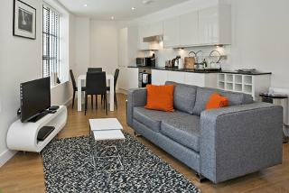 From £149 (with Go Native) for a 2-night serviced apartment stay for 2 people in Earls Court, or 3 nights in Canary Wharf or Shoreditch - save up to 44%