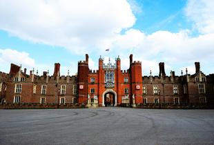 From £69pp (from OMGhotels.com) for a London stay with breakfast and entry to Hampton Court Palace,  gardens and maze - save up to 47%