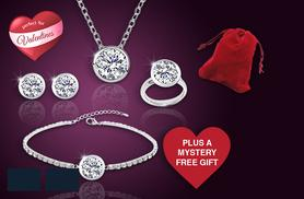 £16 instead of £140 (from Cian Jewels) for a 5pc Valentine's jewellery set inc. mystery gift - choose from 2 designs and save 89%