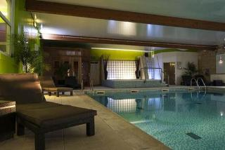 £89 (at Hallmark Hotel, Manchester) for a 1-night stay for 2 inc. b'fast, treats and access to spa facilities with a £25 treatment voucher - save up to 36%