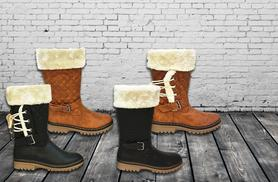 £18 instead of £89.99 (from Top Notch Fashion) for a pair of ladies' faux fur-lined winter boots - choose from 4 designs & save 80%