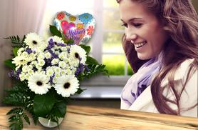 £19.99 instead of £49.99 (from Posy Bouquets) for a hand-tied Mother's Day bouquet and balloon - save 60%