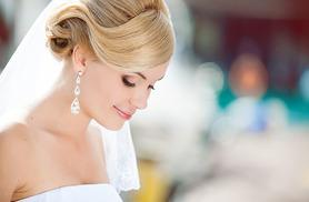 £19 instead of £45 for a 1-hour bridal beauty makeup trial at Pamper Me, Stockport - save 58%