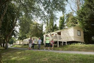 £89 (from Park Resorts) for a 3nt weekend or a 4nt midweek self-catered caravan break for up to 6 at a choice of holiday parks (including return car ferry) - save 36%