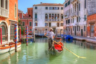 From £119pp instead of up to £236.34pp (from Weekender Breaks) for a 2nt Venice break inc. flights and gondola serenade tour - save up to 50%