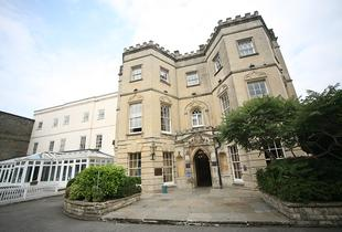 £79 (at Arnos Manor) for a 1nt Bristol break for 2 inc. breakfast, from £119 for 2nts, £129 for 1nt inc. Bath Spa session, £159 for 1nt inc. dinner - save up to 49%