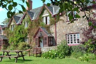 £119 (from Buyagift) for a 2-night 17th century farmhouse stay for 2 people at Quoit-at-Cross, Tiverton including a daily full English breakfast!