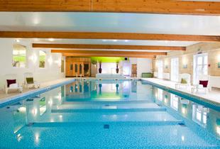 £89 (at Hallmark Hotel, Manchester) for a 1-night stay for 2 inc. breakfast, chocolate treats, glass of bubbly each, spa access and a £25 spa voucher - save up to 44%