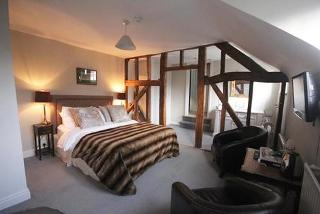 From £89 (at Laughern Hill Estate) for a 1-night 5* stay for 2 including supper, a glass of wine and breakfast, or £169 for 2 nights and a bottle of wine - save up to 60%