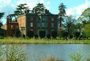 £89 (at Netley Hall Estate) for 2 nights in a self-catered holiday cottage for up to 4 people - save up to 63%