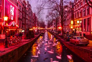 From £779pp (from Deluxe Breaks) for a 6-night trip to Amsterdam and Las Vegas including all flights and accommodation - save up to 34%