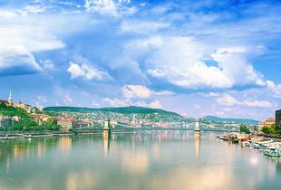 From £69pp instead of up to £109.48pp (from iFly Holidays) for a two-night 4* Budapest getaway, including spa access and flights - save up to 37%