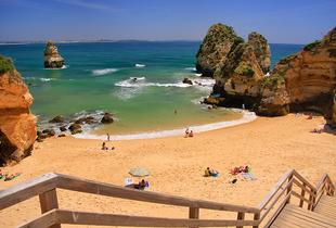 From £69pp (from Weekender Breaks) for a 3nt self catered 4* Algarve break with flights, from £109pp for 5 nts or from £129pp for 7 nts - save up to 33%