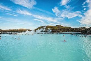 From £169pp (from Weekender Breaks) for a 2nt 4* luxury Iceland break inc. flights (London or Manchester), breakfast, spa access, or from £249pp for 3nts - save up to 42%