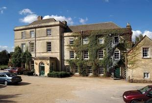 £79 (at Stratton House Hotel) for a Cotswolds stay for two people including dinner, a glass of Prosecco each, breakfast and late checkout - save up to 50%