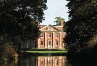 £99 (at DeVere Warbrook House) for a Hampshire stay for two including a two-course dinner, breakfast and late checkout - save up to 39%