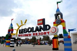 From £179pp (with iFly) for a 2-night Denmark stay with entry to the LEGOLAND Billund resort, from £239pp for three nights, from £569 for a family of 3, from £739 for 4