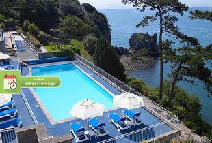£129 for a 4* overnight Torquay break for two with breakfast, dinner, Prosecco, late checkout and leisure access, £199 for two-nights and afternoon tea - save up to 42%