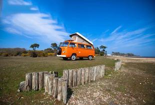 £239 for a 4nt midweek or 3nt weekend VW campervan hire for up to 4 people or £279 for a 4nt midweek or 3nt weekend hire for up to 2 people - save up to 55%