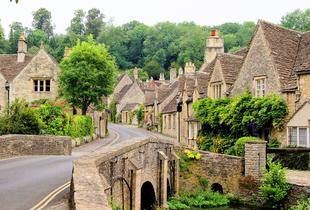 £27 instead of £40 for a child's ticket to the Cotswolds tour including return coach travel from London, £30 for an adult with Anderson Tours - save up to 32%