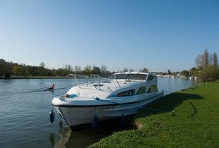 From £219 for a four-night weekend self-catered Thames River boat cruise hire, from £279 for three mid-week nights, from £419 for seven nights  - save up to 48%